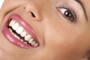 دو روش برای سفیدی دندان