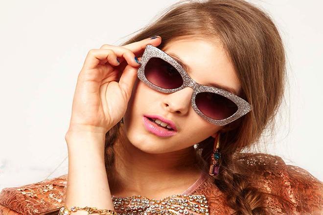 با کدام عینک آفتابی صورت ما ن زیباتر می شود ؟