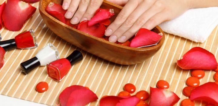تقویت ناخن ها با مواد طبیعی