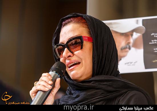 مراسم تشییع پیکر اکبر خواجویی در میان اندوه بازیگران