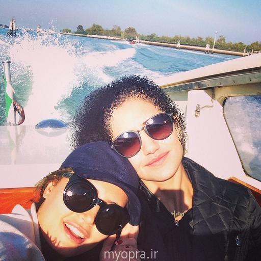 الناز شاکردوست در کنار خواهرش در ایتالیا