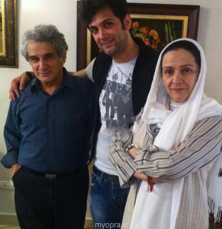 گلاب آدینه و خانواده اش