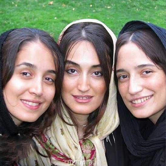 عکس نگار جواهریان در کنار خواهرانش