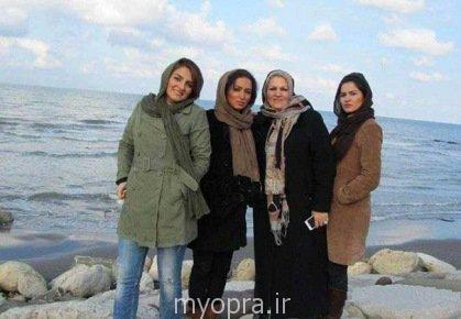 عکس کمیاب روناک یونسی در کنار خواهر و مادرش