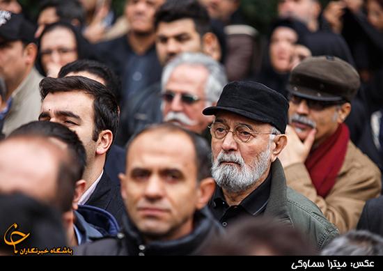 پرویز پورحسینی در مراسم تشییع جنازه انوشیروان ارجمند