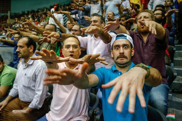 عکس های جنجالی بازیگران در بازی ایران و امریکا