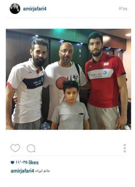 تصاویر بازیگران در بازی والیبال ایران و آمریکا