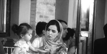 عکس های جدید ترانه علیدوستی همراه فرزندش در مراسم افطاری شهرزاد