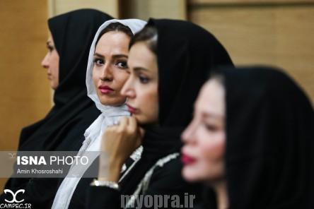 گلاره عباسی در مراسم افطاری حسن روحانی