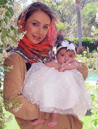 شبنم قلی خانی با همسر و دخترش + بیوگرافی 95