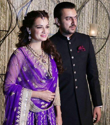 دیامیرزا در کنار همسرش
