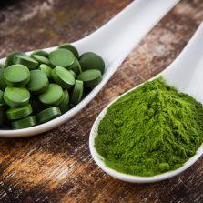 10 مزیت شگفت انگیز جلبک اسپرولینا برای تناسب و زیبایی