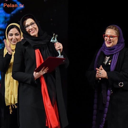 بهاره رهنما و معصومه کریمی در اختتامیه جشنواره تئاتر
